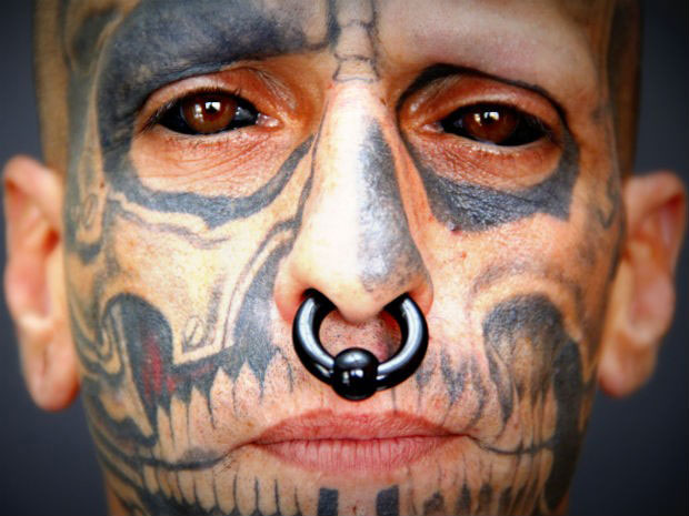 eyeball-tattoo-causes-man-to-weep-ink