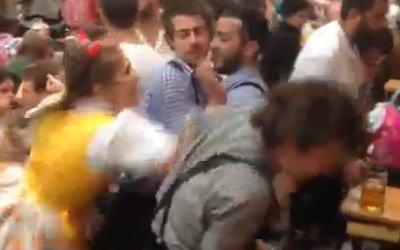 【動画】クレイジーな女と男性との喧嘩。