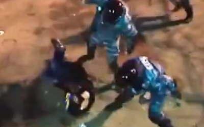 【動画】これは酷いウクライナの警官。