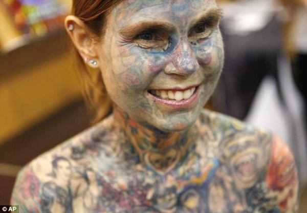 Most Tattooed Women - 002_R