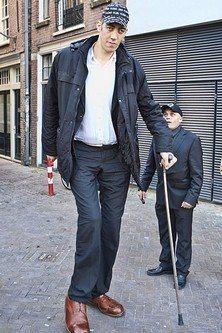 Sultan-Kosen-Tallest-Man-in-the-World