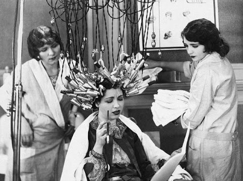 beauty_shops_at_the_beginning_of_the_20th_century_08