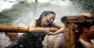 【画像】中国の女ボディガードの訓練が軍隊レベル