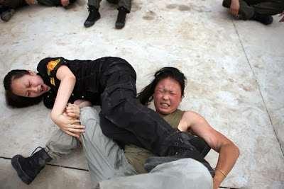 female_bodyguard_training_08_R