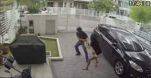 【動画】強盗に襲われた女性が反撃に膝蹴り!