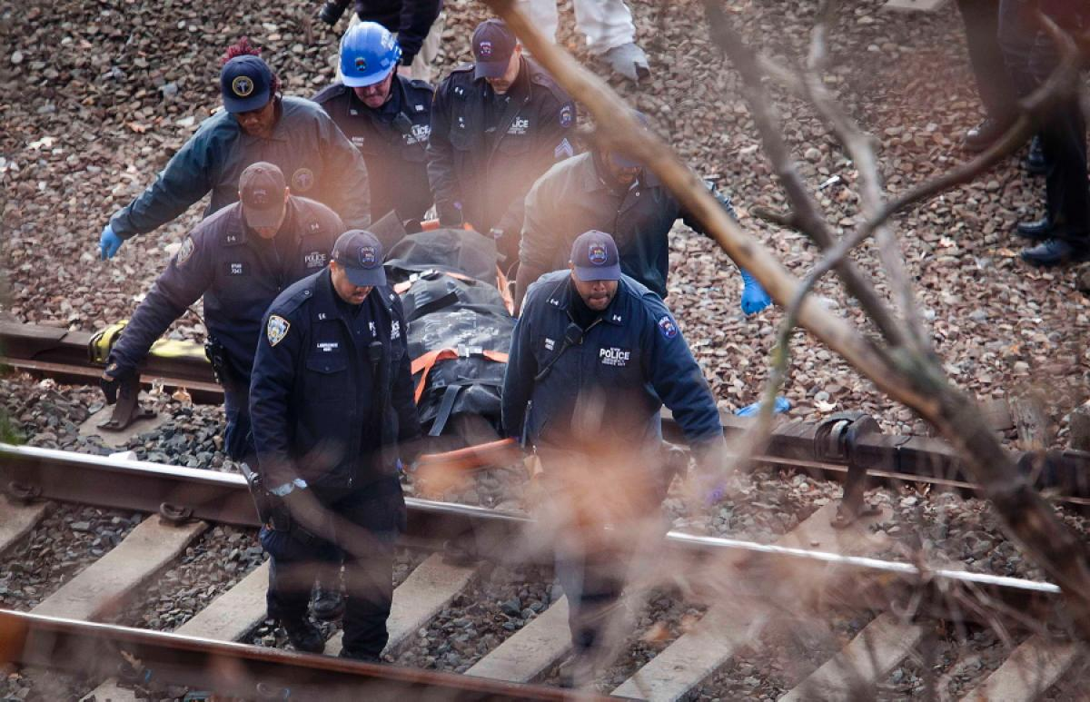 metro-north-train-deradhdhils-new-york-4-dead-63-injured (1)