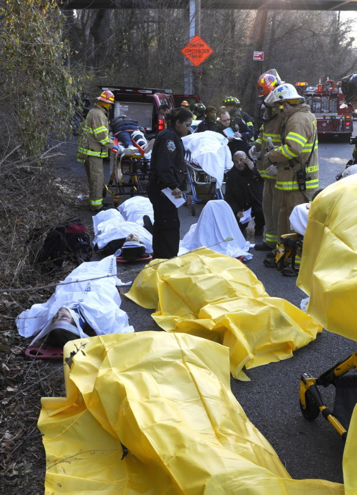 metro-north-train-derails-new-york-4-dead-63-injured