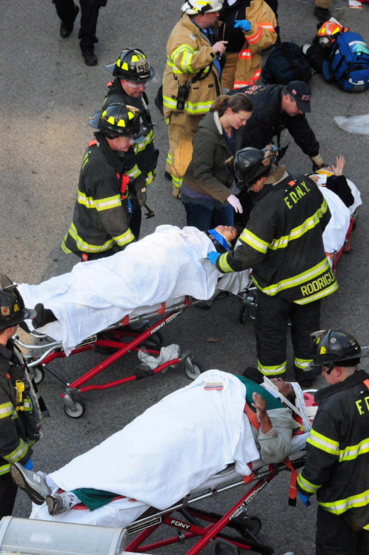 metro-north-train-derails-new-york-4-deadgsdgd-63-injured (1)