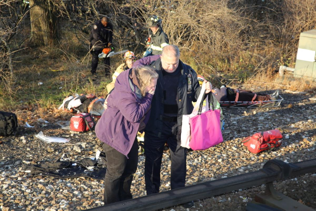 metro-north-train-derails-new-york-dfsdf-dead-63-injured (1)