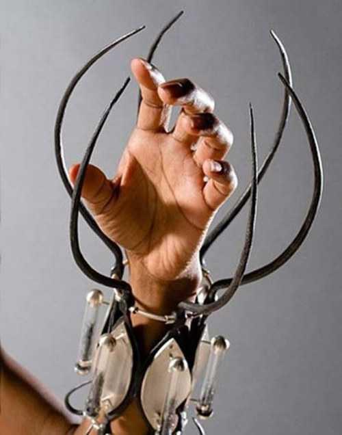 weird-bracelets-7_R