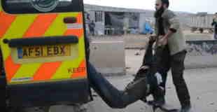 【動画】2台の自動車爆弾テロ直後の現場。