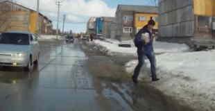 【動画】雪が積もった道はなにが起きるかわかりませんw