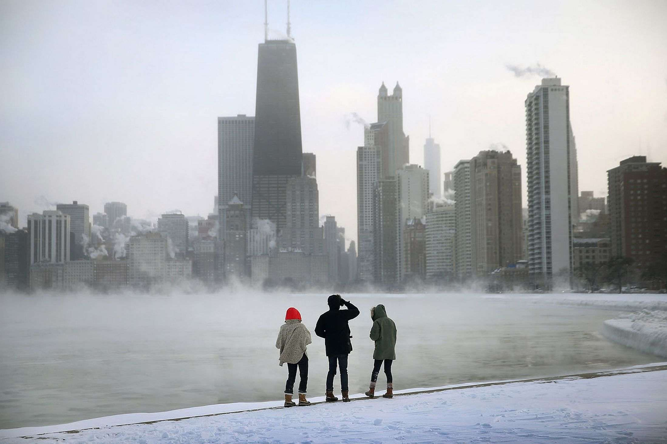Mist-rises-from-Lake-Michigan-at-North-Avenue-Beach-Chicago-2996466_R