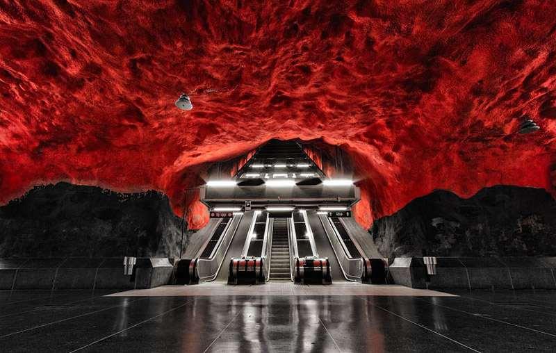 StockholmMetroCrimsonStorm_R