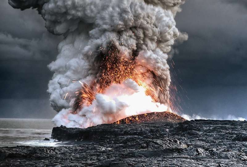 coolest-volcano-eruptions-hawaii-eruption_R
