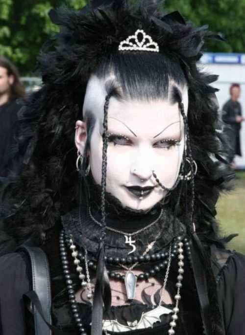 extreme_gothic_girls-2_R