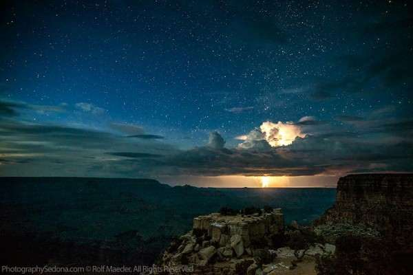 lightning-photography-grand-canyon-by-rolf-maeder-1-600x400_R