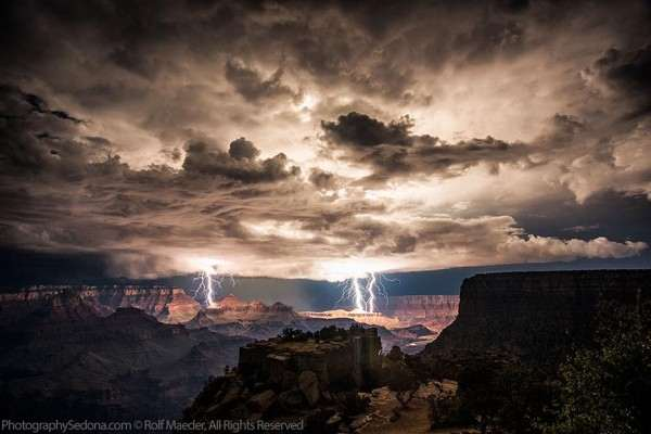 lightning-photography-grand-canyon-by-rolf-maeder-3-600x400_R