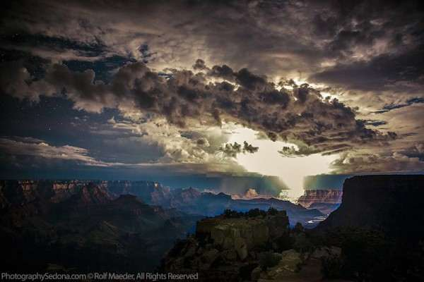 lightning-photography-grand-canyon-by-rolf-maeder-4-600x400_R