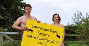【画像】農家の男女によるヌードカレンダー