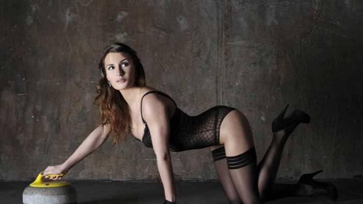 Sexy-Anna-Sidorova-Russian-Curling-Sochi-Pics-16_R