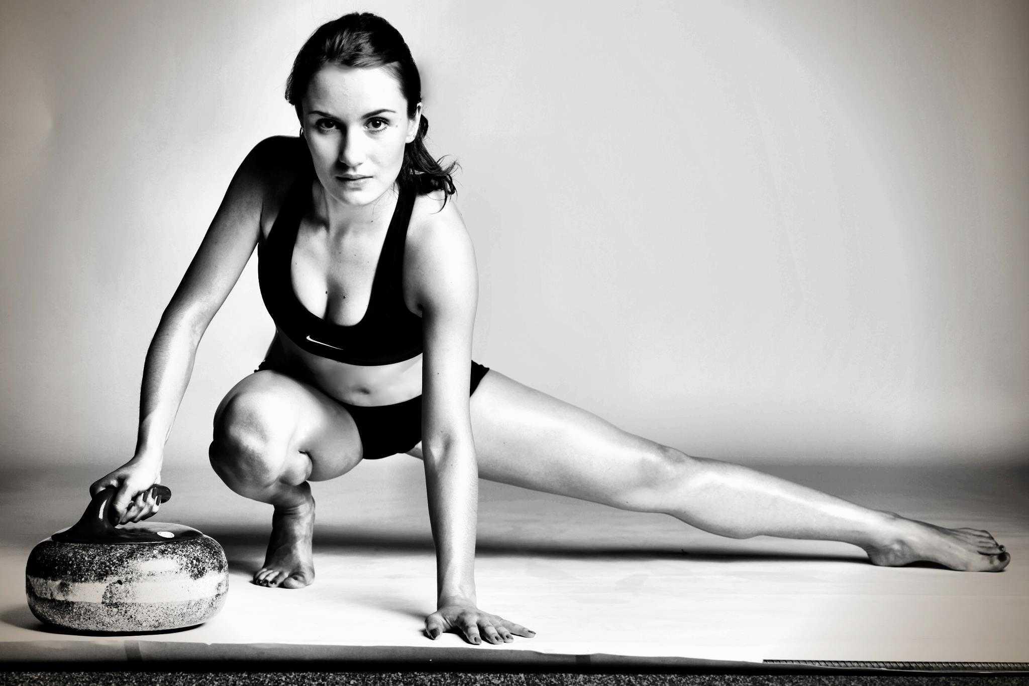 Sexy-Anna-Sidorova-Russian-Curling-Sochi-Pics-1_R