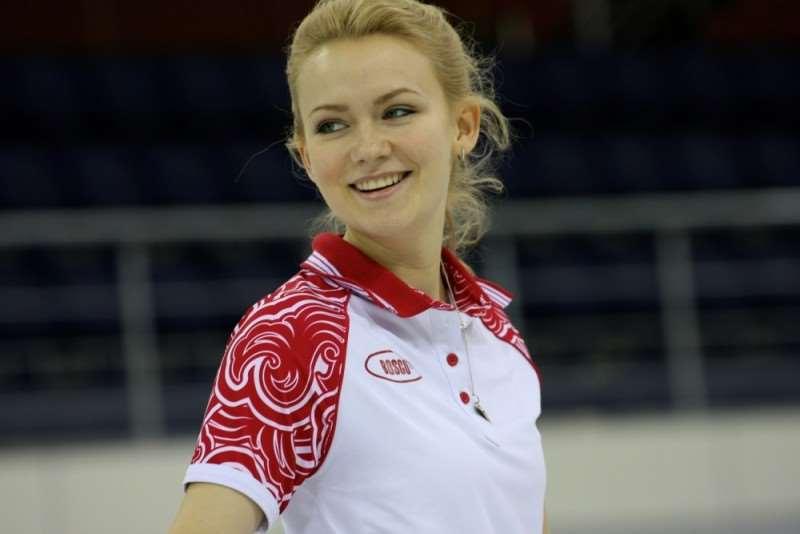 russia-womens-olympic-curling-team-pics-Alexandra-Saitova-20