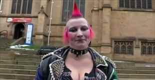【動画】えげつないパンク女が普通のメイクで変身したら