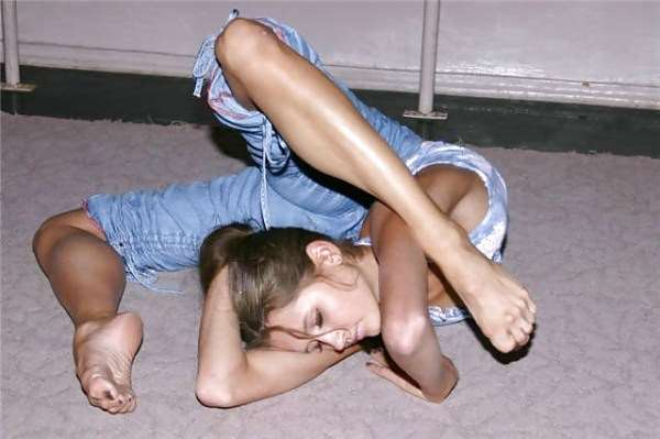 very-flexible-girls-12