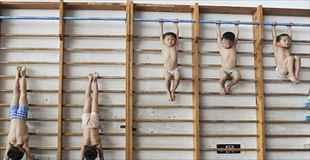 【画像】中国の小学校の教育やりすぎだろ