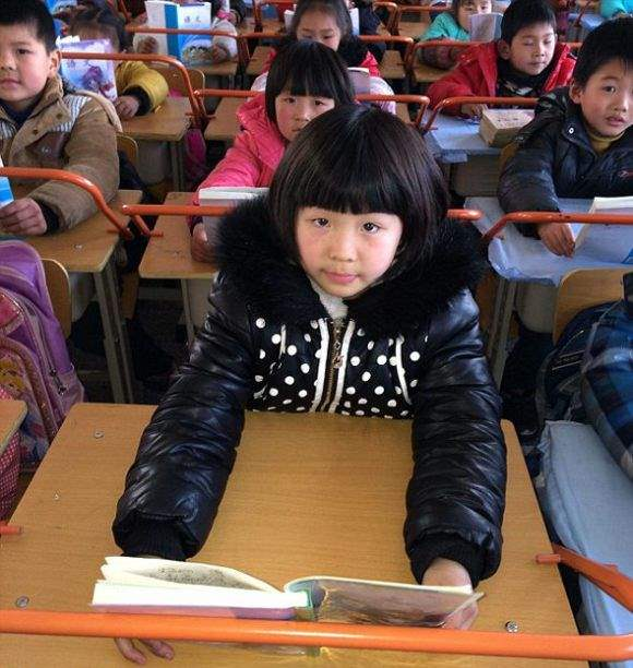 1393422610_chinese_classrooms_03