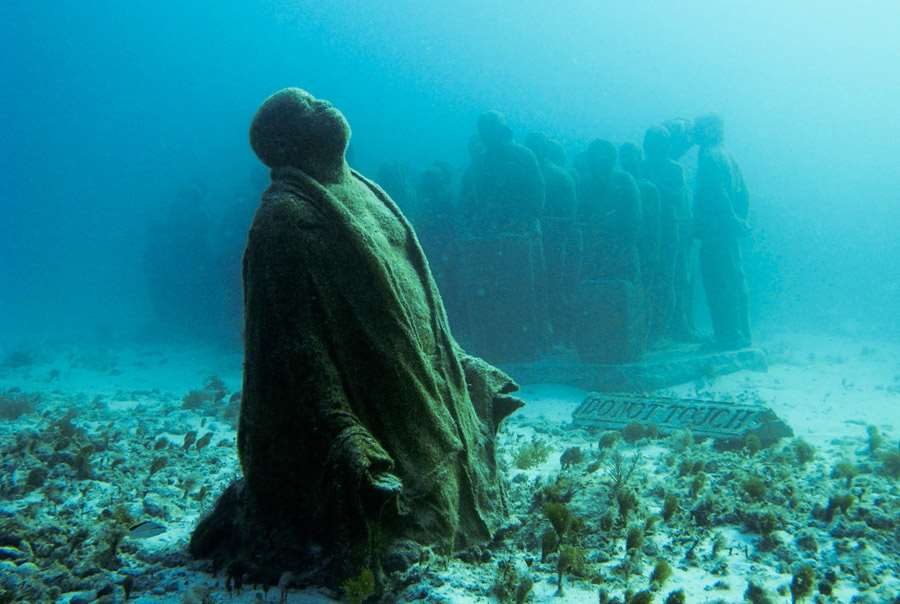 UnderwaterMuseumFinalPrayer