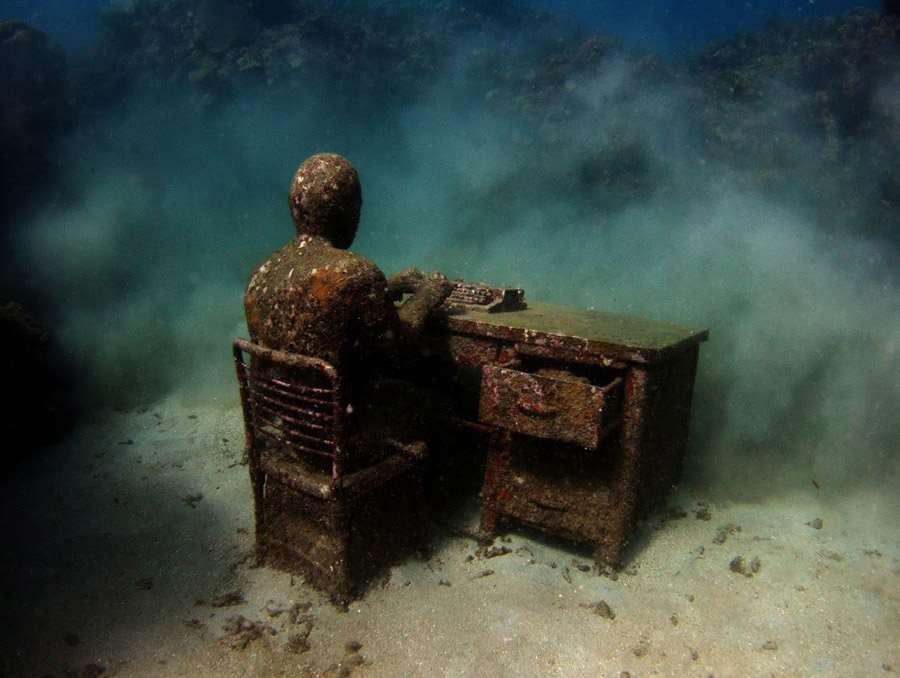 UnderwaterMuseumLostCorrespondent