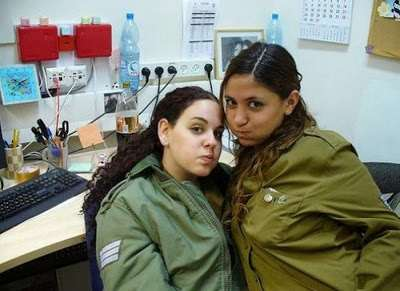girls_of_israel_army_forces_39