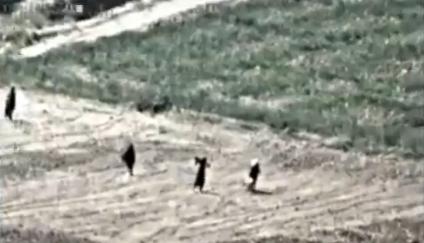 【動画】逃げ惑う人々にミサイル発射