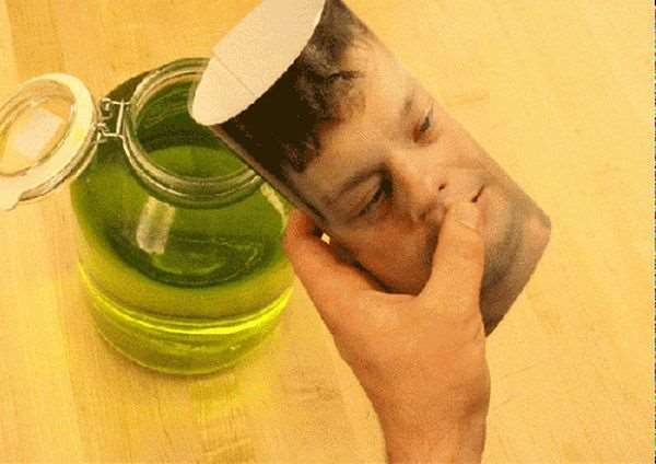 1395320157_head_jar_prank_02