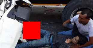 【動画】エルサルバドルの高速道路での事故で足が