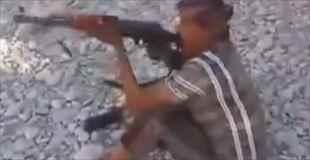 【動画】イエメンの射撃練習は命がけ