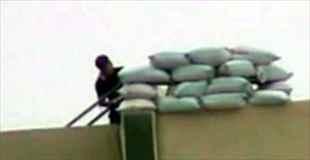 【動画】狙撃される瞬間のシリア兵士