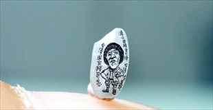 【画像】台湾の彫刻家の作ったミニチュア作品が小さすぎる