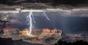 【画像】世界の様々な場所に落ちた美しすぎる雷