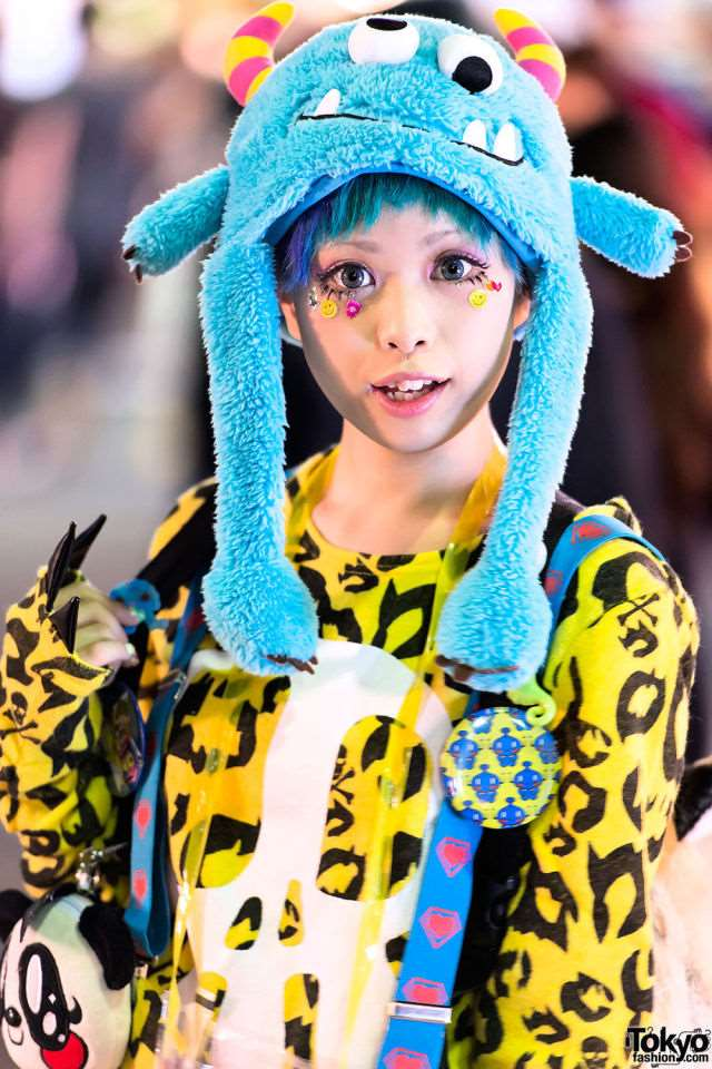 bizarre_fashion_trends_of_the_japanese_youth_640_high_01