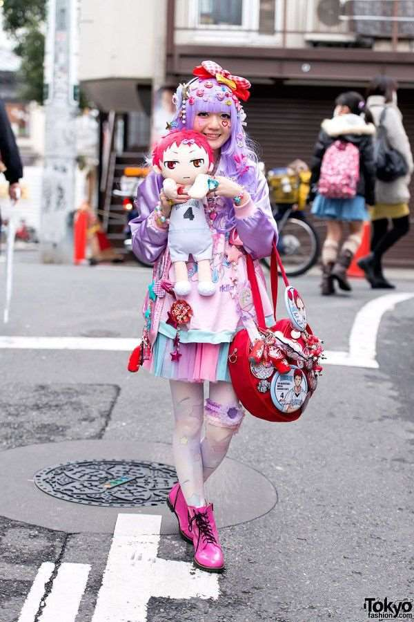 bizarre_fashion_trends_of_the_japanese_youth_640_high_11