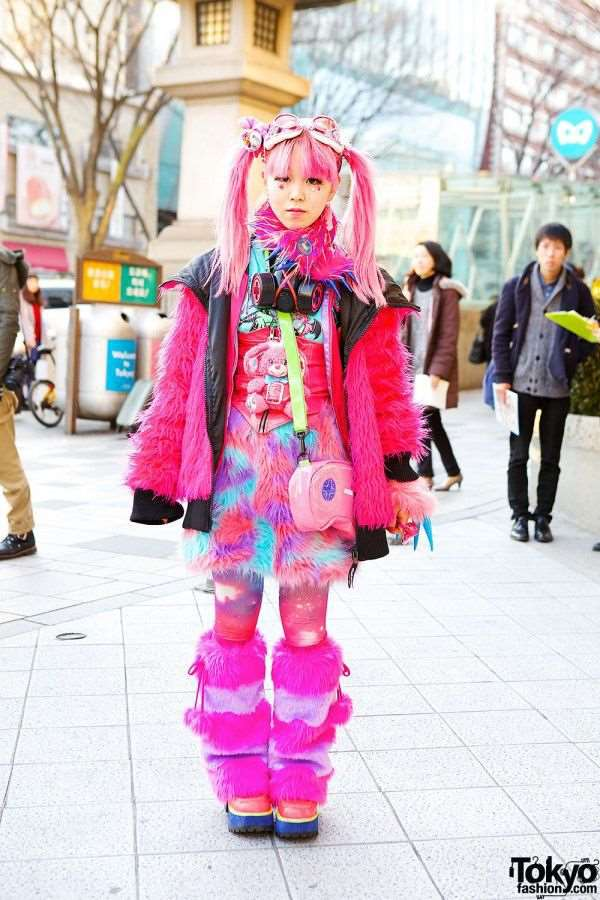 bizarre_fashion_trends_of_the_japanese_youth_640_high_27