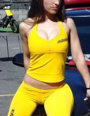 carshow_babes_11