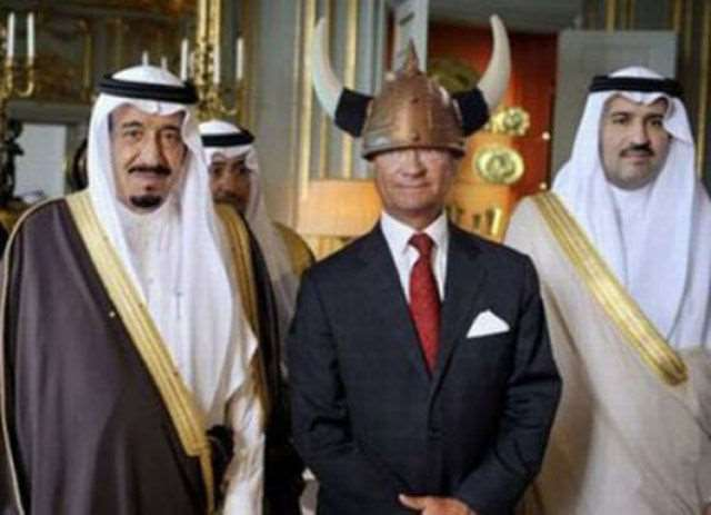 hilarious_photos_of_the_swedish_king_wearing_absurd_hats_640_05