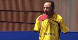 【動画】両腕のない男性の卓球の腕前が半端ない