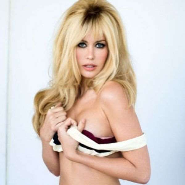this_blonde_bombshell_is_2014s_playmate_of_the_year_640_07