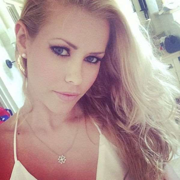 this_blonde_bombshell_is_2014s_playmate_of_the_year_640_11