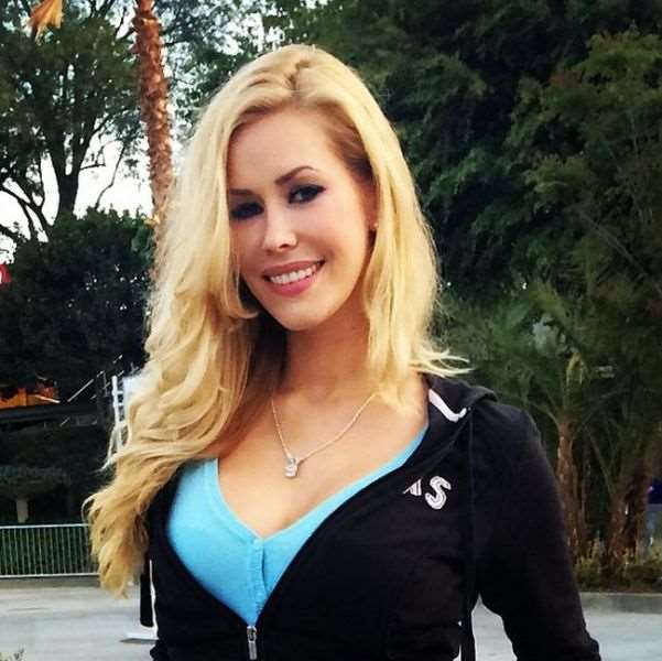 this_blonde_bombshell_is_2014s_playmate_of_the_year_640_20